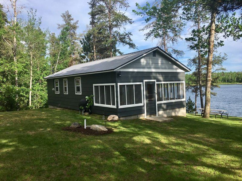 Cute, Clean 2 Bedroom cabin- Only 3 night minimum for summer!, casa vacanza a Park Rapids