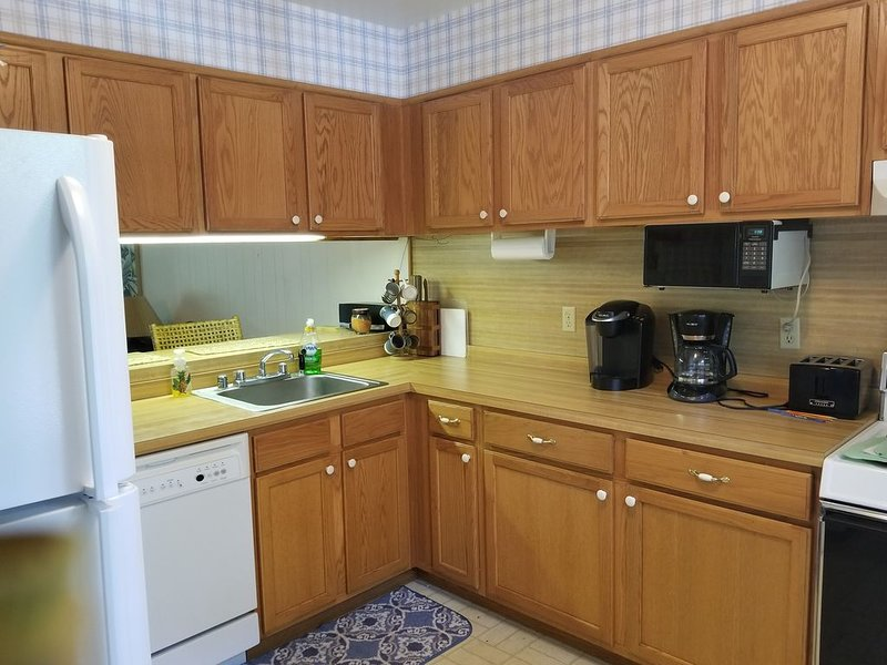 Villas Of Bethany West, Sleeps 6, Walk Or Shuttle To The Beach, Large Pool, holiday rental in Bethany Beach