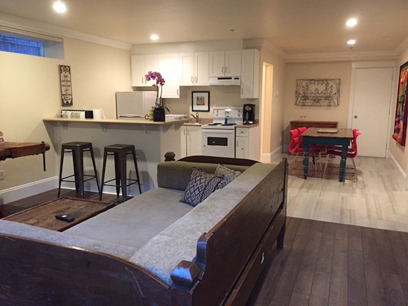 Suite In Quiet Residential Area Of Dunbar, holiday rental in Vancouver