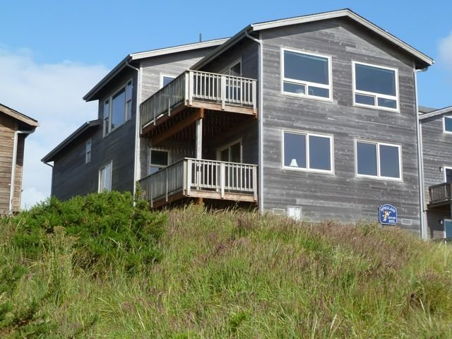 Sweeping Ocean Views, Steps to Beach, holiday rental in Langlois