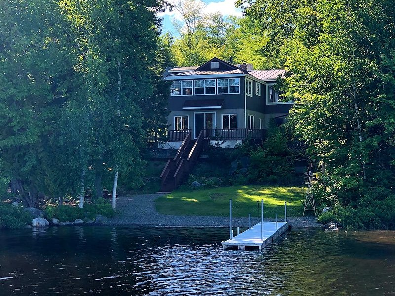 Lakefront Retreat on Partridge Cove, holiday rental in Medway