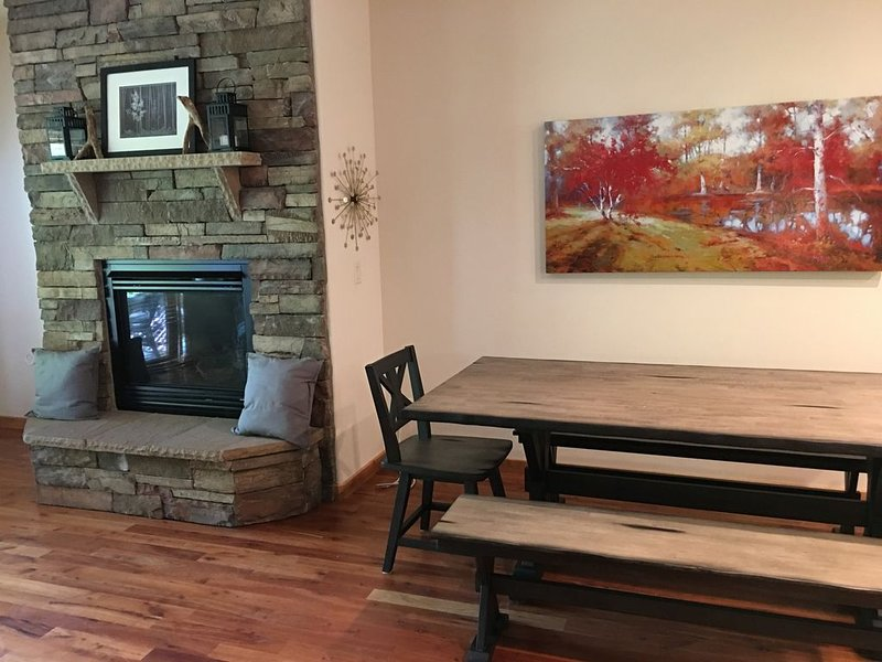 This beautiful, spacious condo is located right off Main Street in Ouray., holiday rental in Ouray