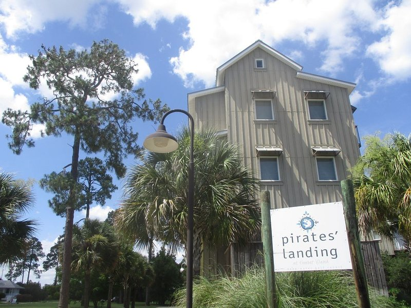 Save A Ship ~ Ride A Pirate, alquiler de vacaciones en Carrabelle