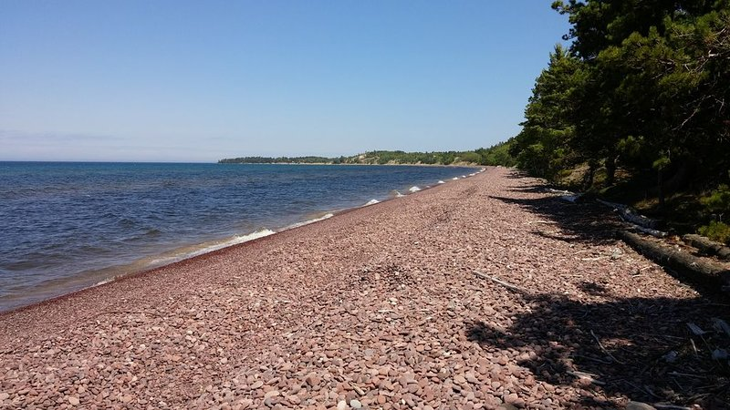 Weekly rental on Lake Superior in Eagle Harbor -- Keweenaw Peninsula, vacation rental in Copper Harbor