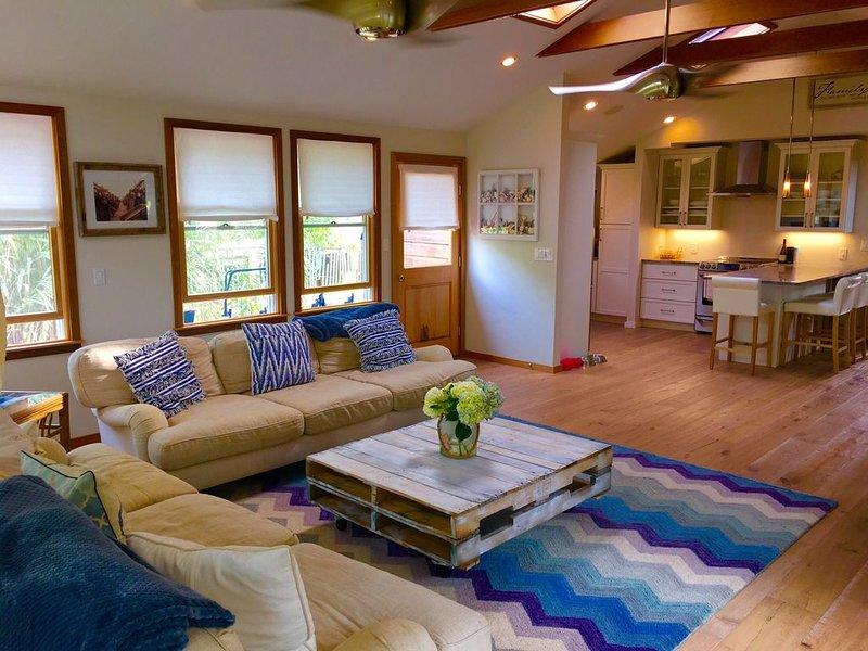 Fire Island Beach House- FAMILIES ONLY, location de vacances à Kismet