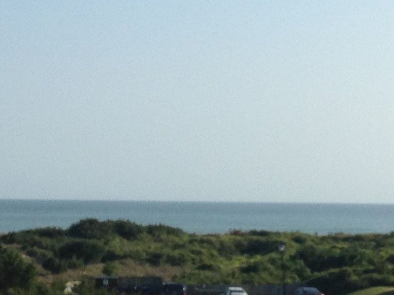 SEAS THE DAY at this beautifully updated condo with great view, holiday rental in Atlantic Beach