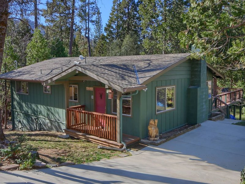 Beautiful Bass Lake Home in Popular Willow Cove, vacation rental in Bass Lake