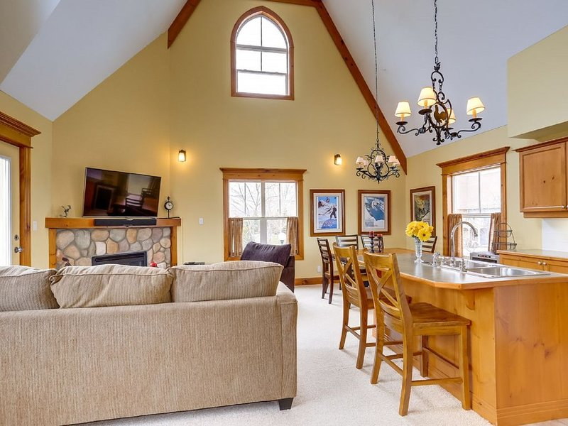 Three bedroom chalet in Snowbridge, vacation rental in Craigleith