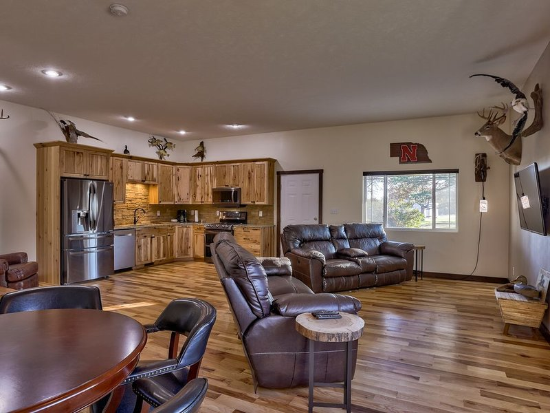 Kinsmen Lodge, Where You're Not Just A Guest You're Kin., holiday rental in Nebraska