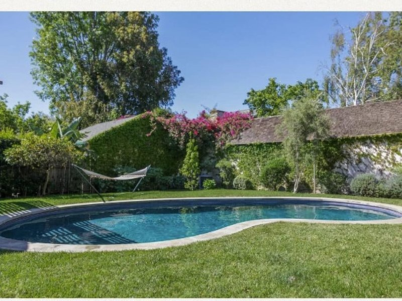 Beautiful, clean, 3 Bedroom with pool, close to beach and Santa Monica Pier, vacation rental in Santa Monica