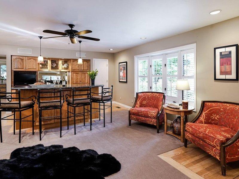 AMAZING Colorado River Front Estate, casa vacanza a Meredith