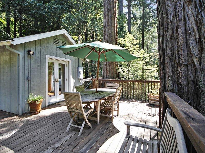 Grateful Days: Redwood Cabin, alquiler vacacional en Guerneville