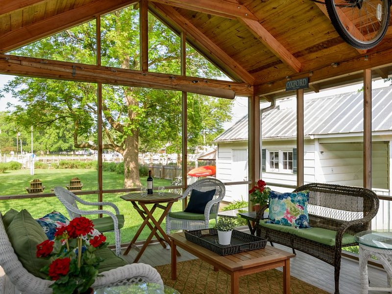 Oxford Waterfront Cottage-Walk to Town, Kayak, Dock, and Bikes, location de vacances à Talbot County