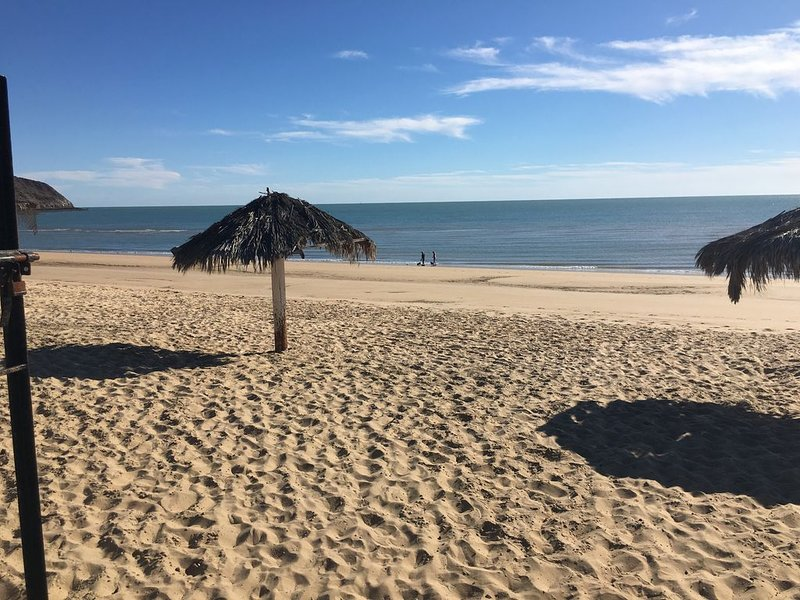 2 Bedroom, 1 bath one block to the best beach and a short walk to the Malecon., vacation rental in San Felipe