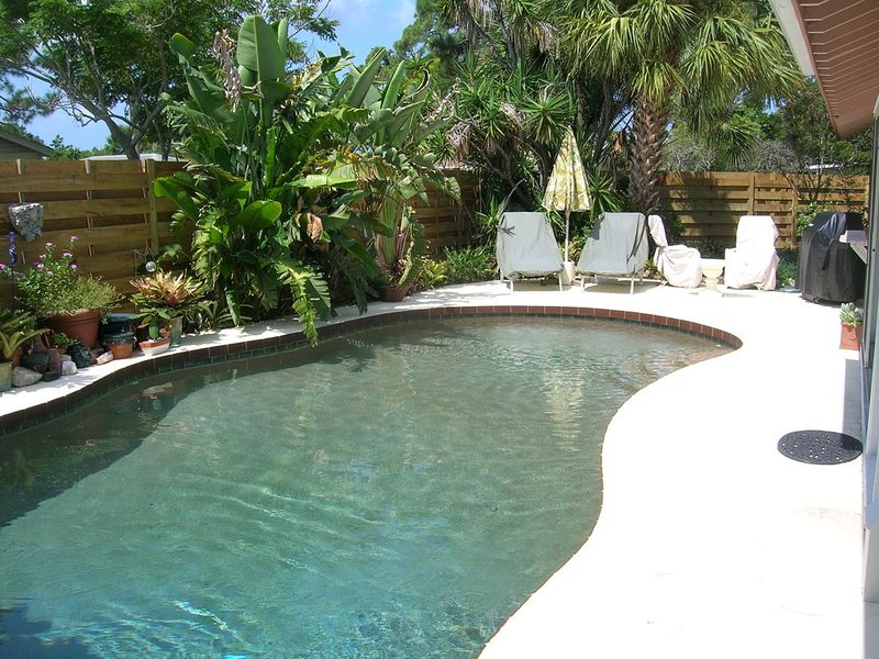 Pool at main house can be used by cottage guests.