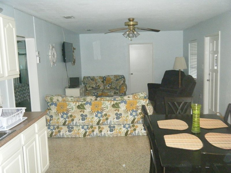 Three Oaks at Lake Okeechobee access, holiday rental in Okeechobee