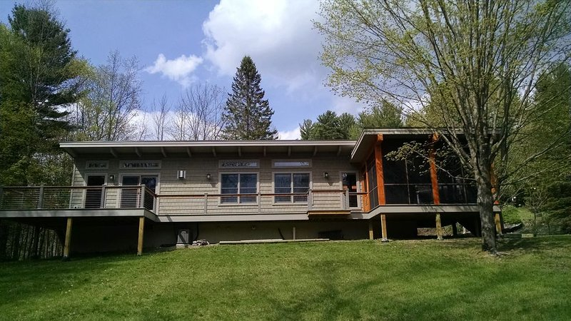 Pine Nook, a cozy private home near Lake George and Bolton Landing, vacation rental in Lake George