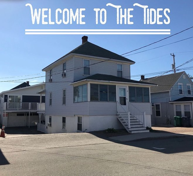 The Tides, 6 Bedroom, 2 Bath. NH beaches are OPEN!, holiday rental in Hampton