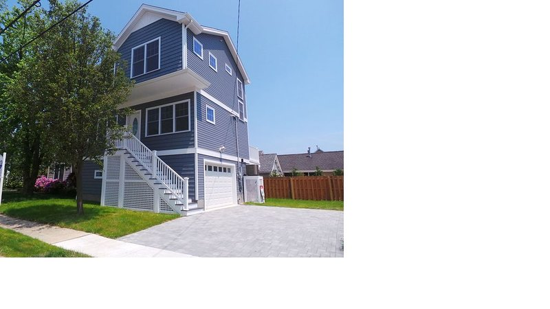 Beautiful New Home Near Beach, Town and Train, alquiler de vacaciones en Point Pleasant