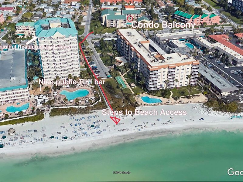 Lido Key Sarasota Pool Side Condo, Steps from Beach, St Armands Circle., holiday rental in Lido Key