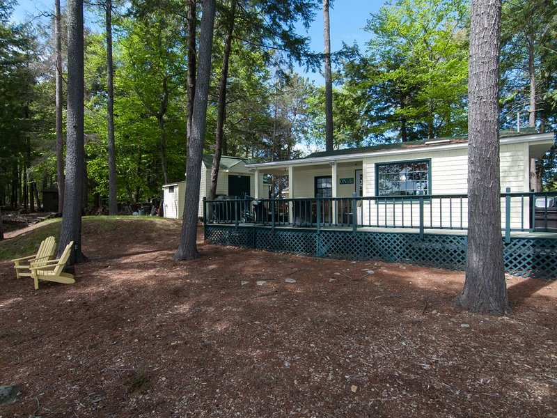 Island family mini compound, vacation rental in Gilford