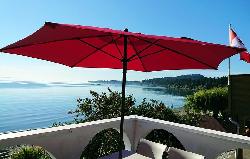 Oceanfront Paradise!, holiday rental in Saanich
