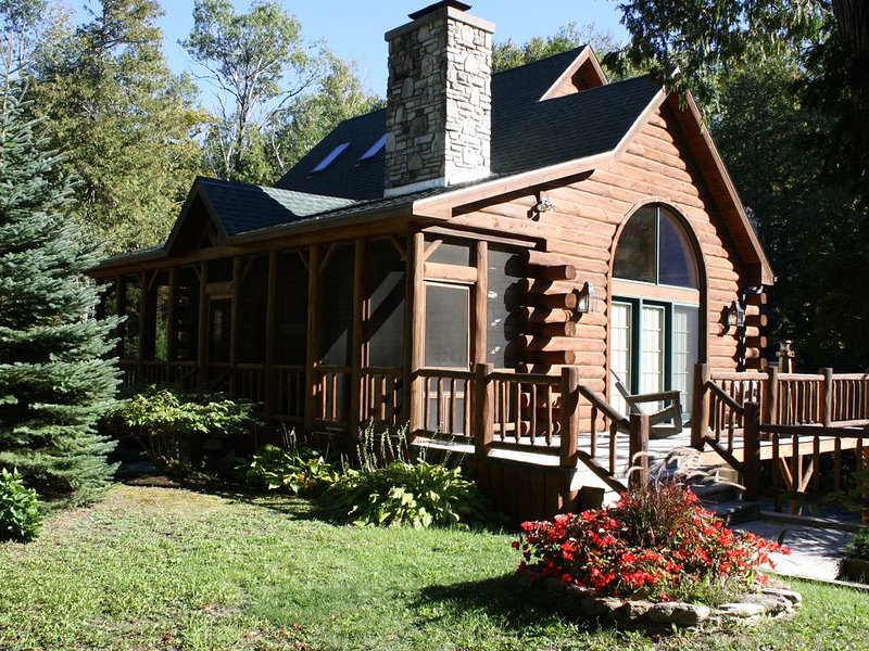 Located in Ellison Bay, less than ¼ mile from a public boat launch on beautiful, holiday rental in Gills Rock