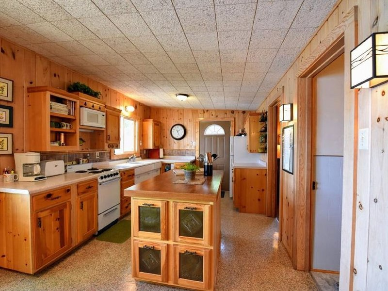 Charming Hartley Lake Cabin With Boat and Kayaks, holiday rental in Brainerd