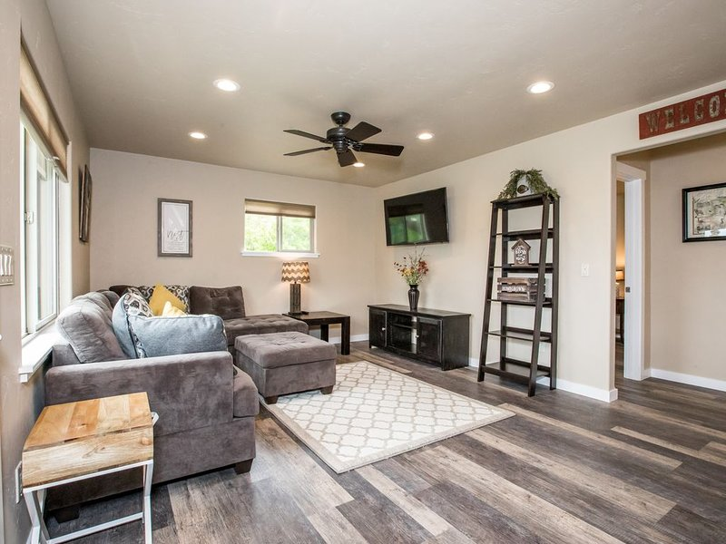 Newly Remodeled 2BD 1BA Home in Kalispell! Close to Glacier, Whitefish and more., location de vacances à Kalispell