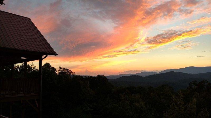Breathtaking Views in Buck Mountain, holiday rental in Hays