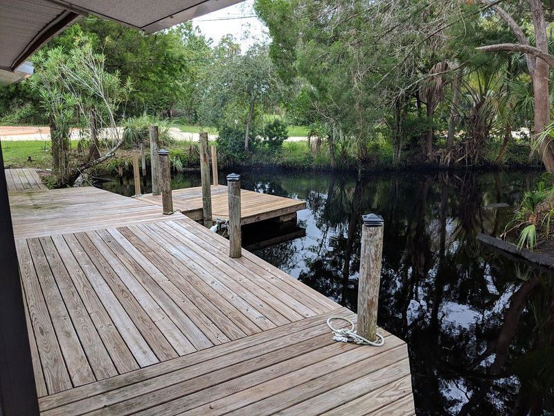 New Listing! Remodeled Nature's Getaway, holiday rental in Homosassa