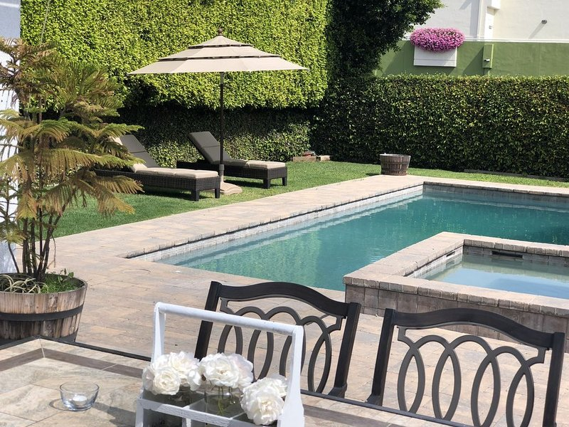 Dream home in Studio City near Universal Studios!, alquiler de vacaciones en West Hollywood