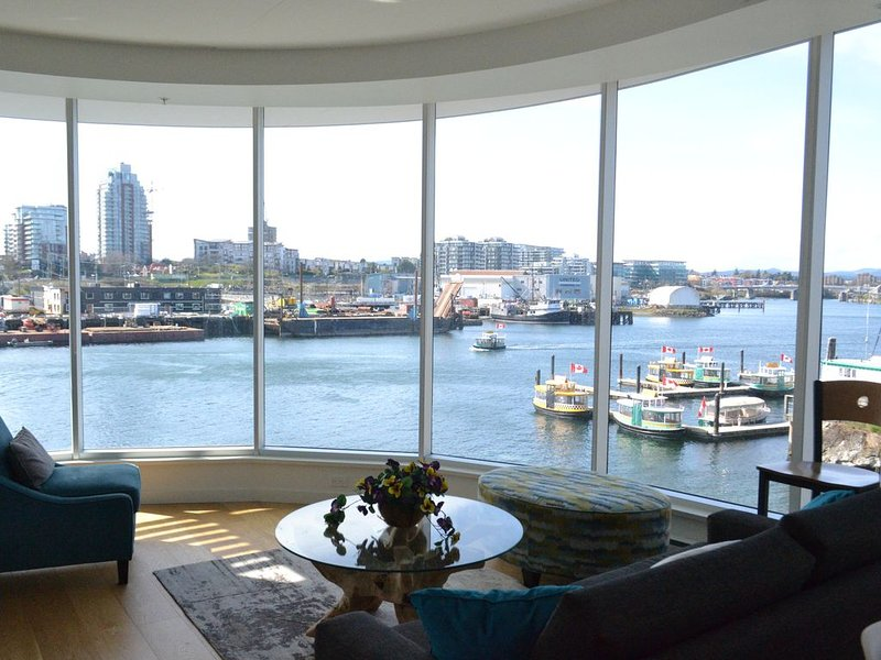 Waterfront Condo in downtown Victoria – semesterbostad i Victoria