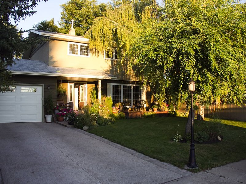 Carefree Lifestyle on a Close, holiday rental in Red Deer