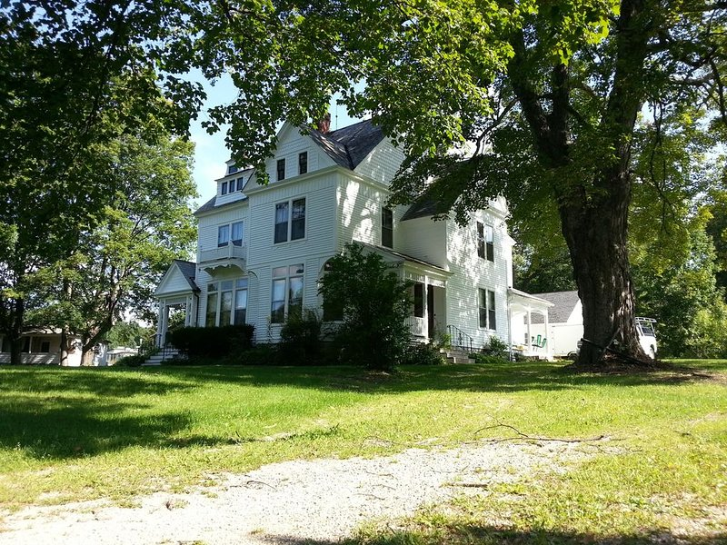 Historic c.1880 Victorian MA/VT border near Williams College MassMoCA Freshgrass, vacation rental in Petersburg