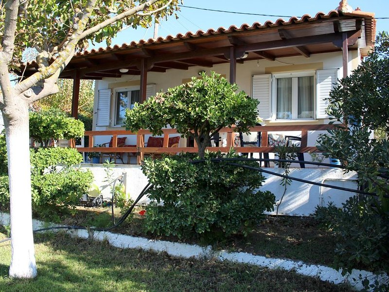 Rustikales Ferienhaus direkt am Strand, Garten, Terrasse | Ilia, Peloponnes, casa vacanza a Amaliada
