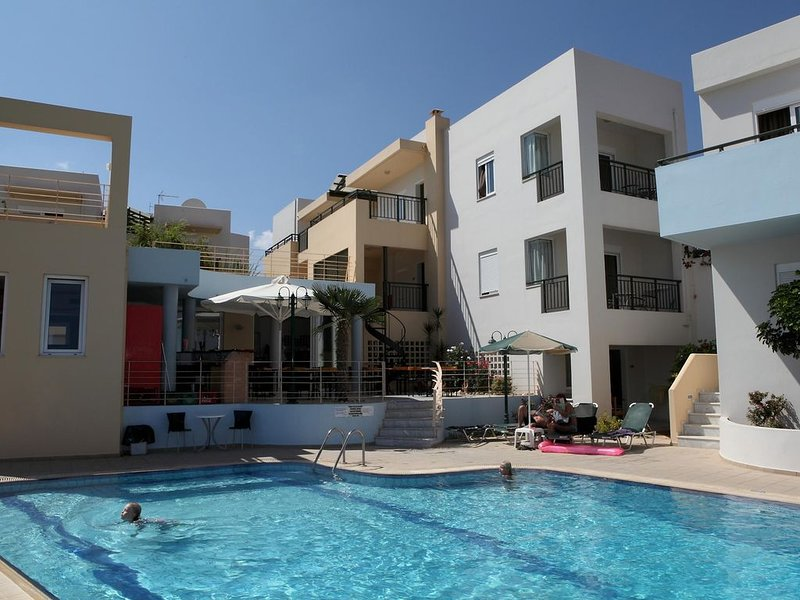 Ferienhausanlage mit Pool, nahe zum Meer, Wifi | Sfakaki, Kreta, holiday rental in Sfakaki