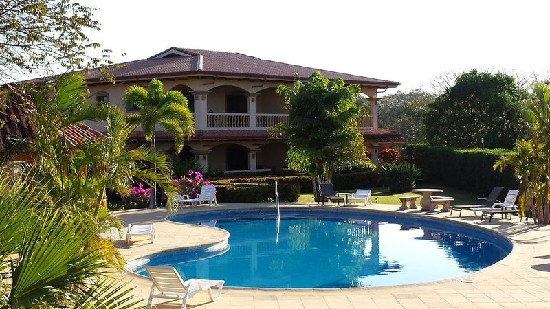 QUIET RELAXING COSTA RICA CONDO, holiday rental in Playa Junquillal