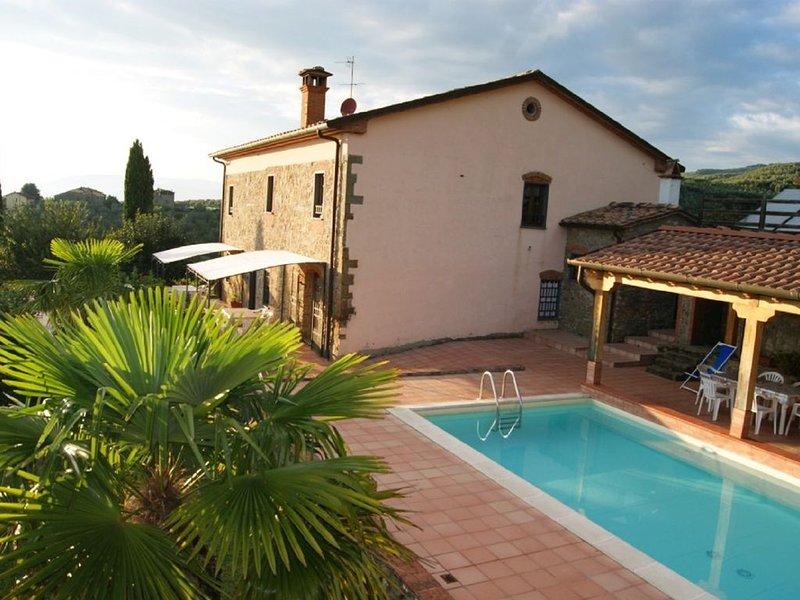 Agriturismo Fadanelli appartamento ' La Colombaia '  con piscina vicino a Vinci, Ferienwohnung in Lamporecchio