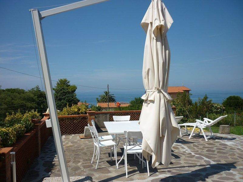 Isola d'Elba. Casa panoramica alla Zanca, 3 camere, 8 pax. ampio spazio esterno, location de vacances à Île d'Elbe