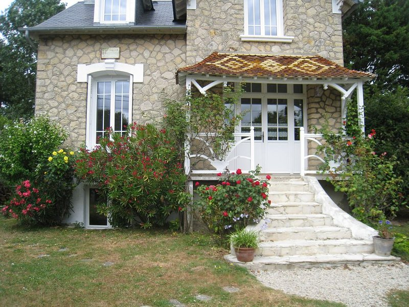 MAISON NORMANDE A JUNO BEACH, vacation rental in Fontaine-Henry