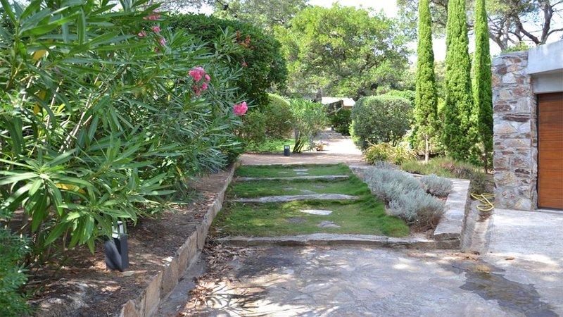 Maison classée 3* - 5/6pers. - Gaou Bénat - terrasse et jardin  proche 2 plages – semesterbostad i Bormes-Les-Mimosas