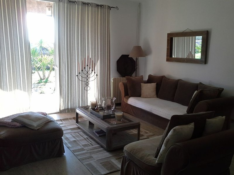 MAISON DE VACANCES IDEALEMENT SITUEE, holiday rental in Aghione