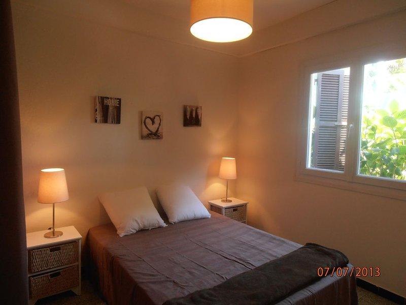 Rez de villa Charmant T2 Cargèse centre, location de vacances à Cargese
