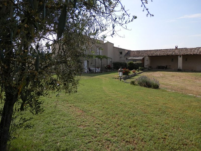 Le Grenier - Gites les Moulières - Location de vacances - Lubéron, Provence, holiday rental in Cruis