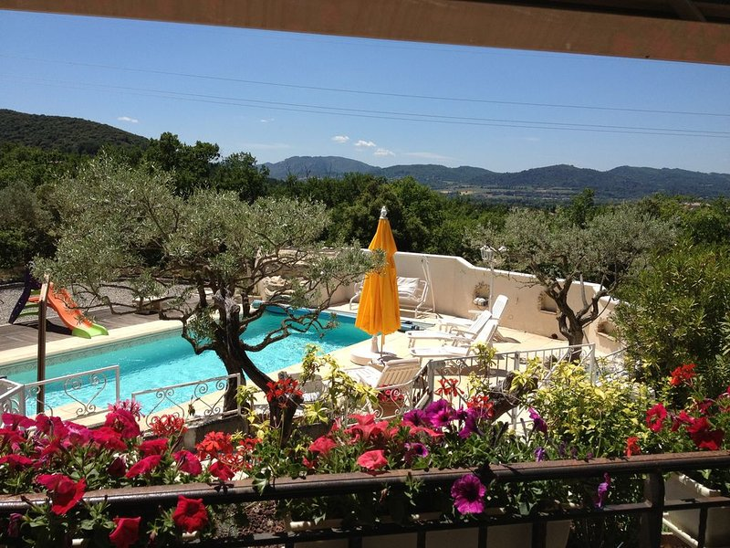 Location Gite De Qualité  classé 3 étoilesORAISON, holiday rental in Valensole