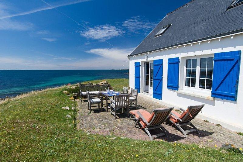 Villa vue panoramique sur mer à Nevez, près Pont-Aven, Accès Wi-fi gratuit,, holiday rental in Nevez