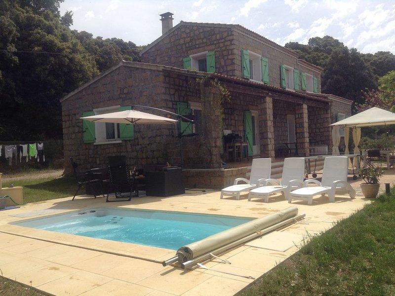 Villa de caractère proche mer, montagne et rivière, Sartène, en Corse, location de vacances à Sartène