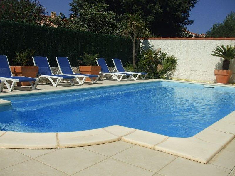 Villa, Piscine chauffée, climatisées, plages ,terrasses,WIFI,, casa vacanza a Saint-Cyprien