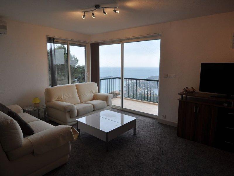 Appartement 3 pièces avec vue sur mer  sur 180° Beaulieu et St Jean Cap Ferrat, location de vacances à Villefranche-sur-Mer